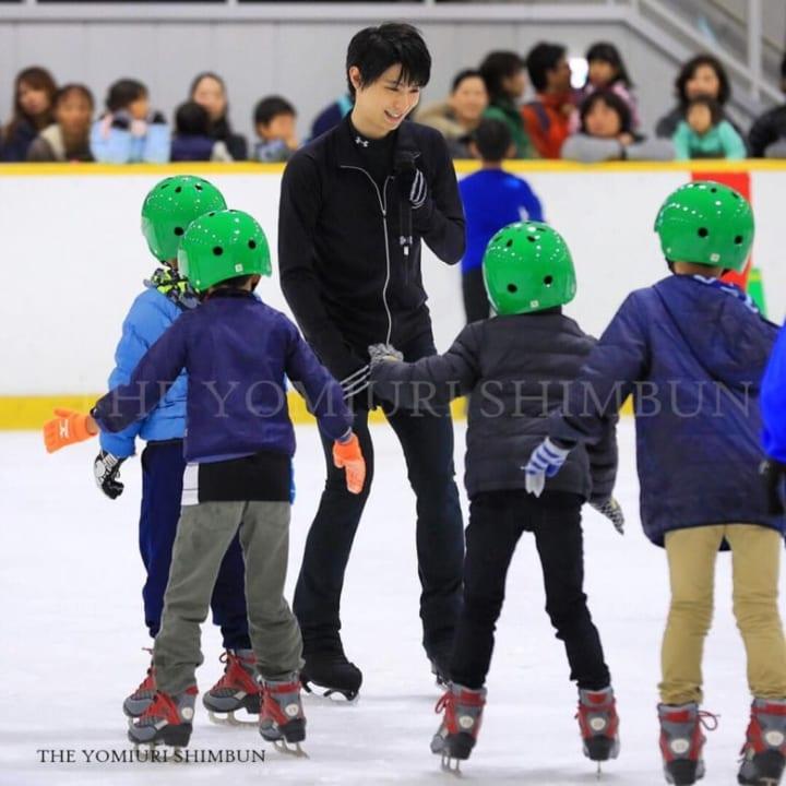 【画像】教えて羽生先生!「羽生のスケート教室また見たい」「バンビ脚かわいい」