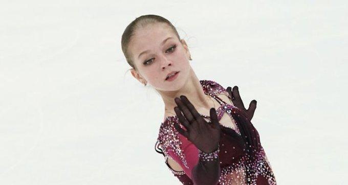 オリンピックシーズン最初のテストスケート: 新記録を出したトルソワ、アクセルを復活させたコストルナヤ