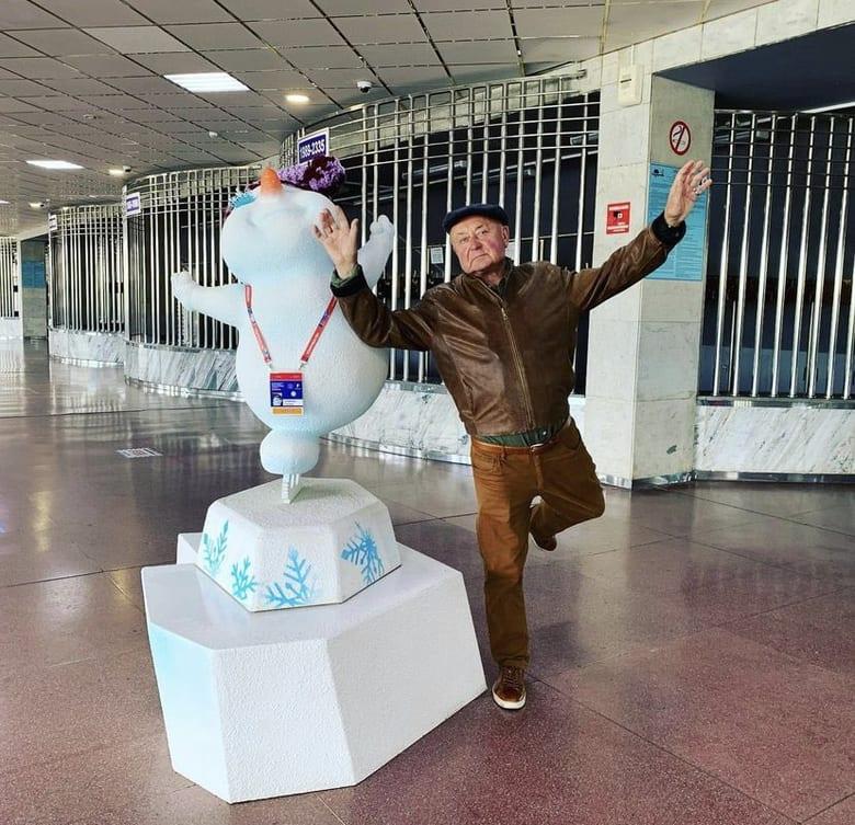 【投稿】チェリャビンスクのミーシン先生 なんか冬だな…すでに