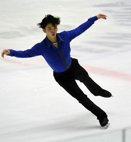 22年北京五輪出場を目指す友野一希、課題を残しながらも首位発進!