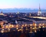 静かにその時を待つトリノ! 美しい街には美しいスケーターが似合います。