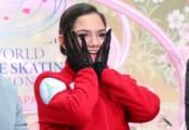 メドベ、母国で美女体操選手と共演!  …私服2ショットに海外興奮「ただただ可愛い」…