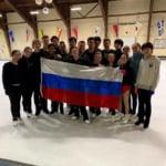 メドベージェワはクリケメンバーでの集合写真を投稿!みんな良い笑顔!
