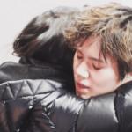 ファンが撮影した宇野昌磨と橋口美穂子コーチのハグが感動すると話題に!